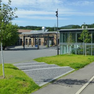 Blick auf kabelmetal und Besucherzentrum Naturregion Sieg/ Tourismus Windecker Ländchen e.V.